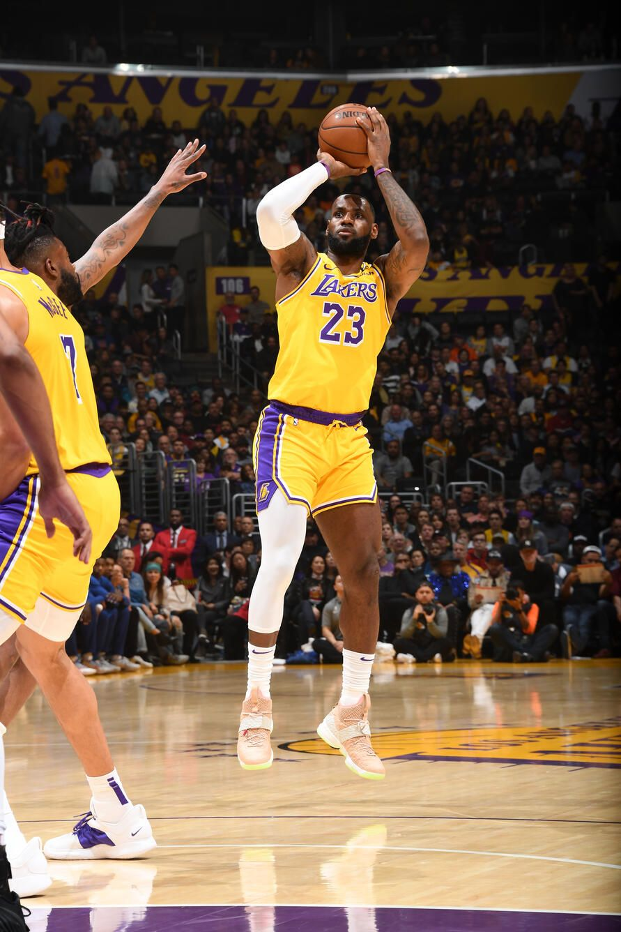 Photos Lakers Vs Knicks 01 07 2020 Los Angeles Lakers In 2020 Lakers Vs Knicks Lakers