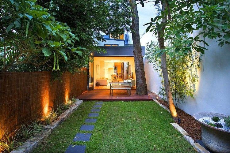 Kleiner Rechteckiger Garten Hinter Einem Reihenhaus Garten Pinterest