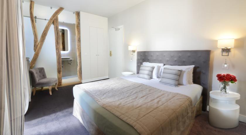 Hôtel Des Batignolles - $105 Set in Paris' 17th arrondissement, a 15-minute walk from the historic district of Montmartre and The Moulin Rouge, this 3 star hotel offers en suite bathrooms