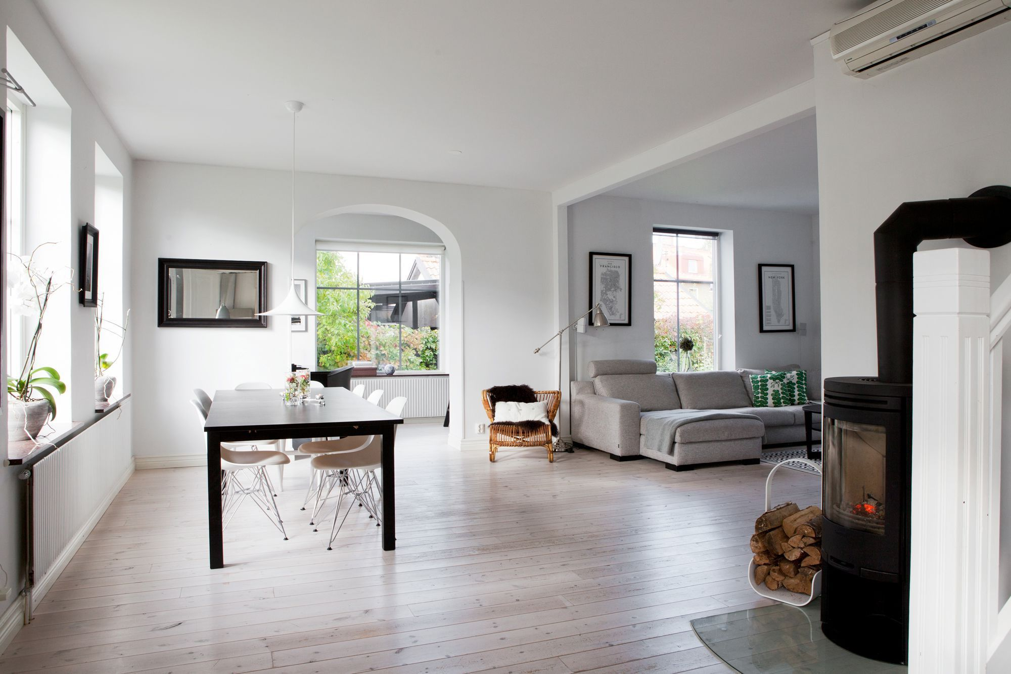 Las casas n rdicas modernas y el espacio blog eames y ikea for Diseno escandinavo interiores