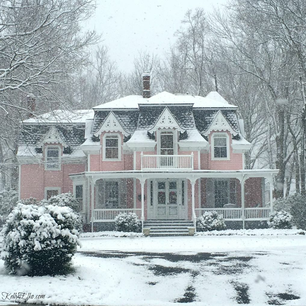 A blog dedicated to beautiful Victorian homes. Disclaimer: These ...