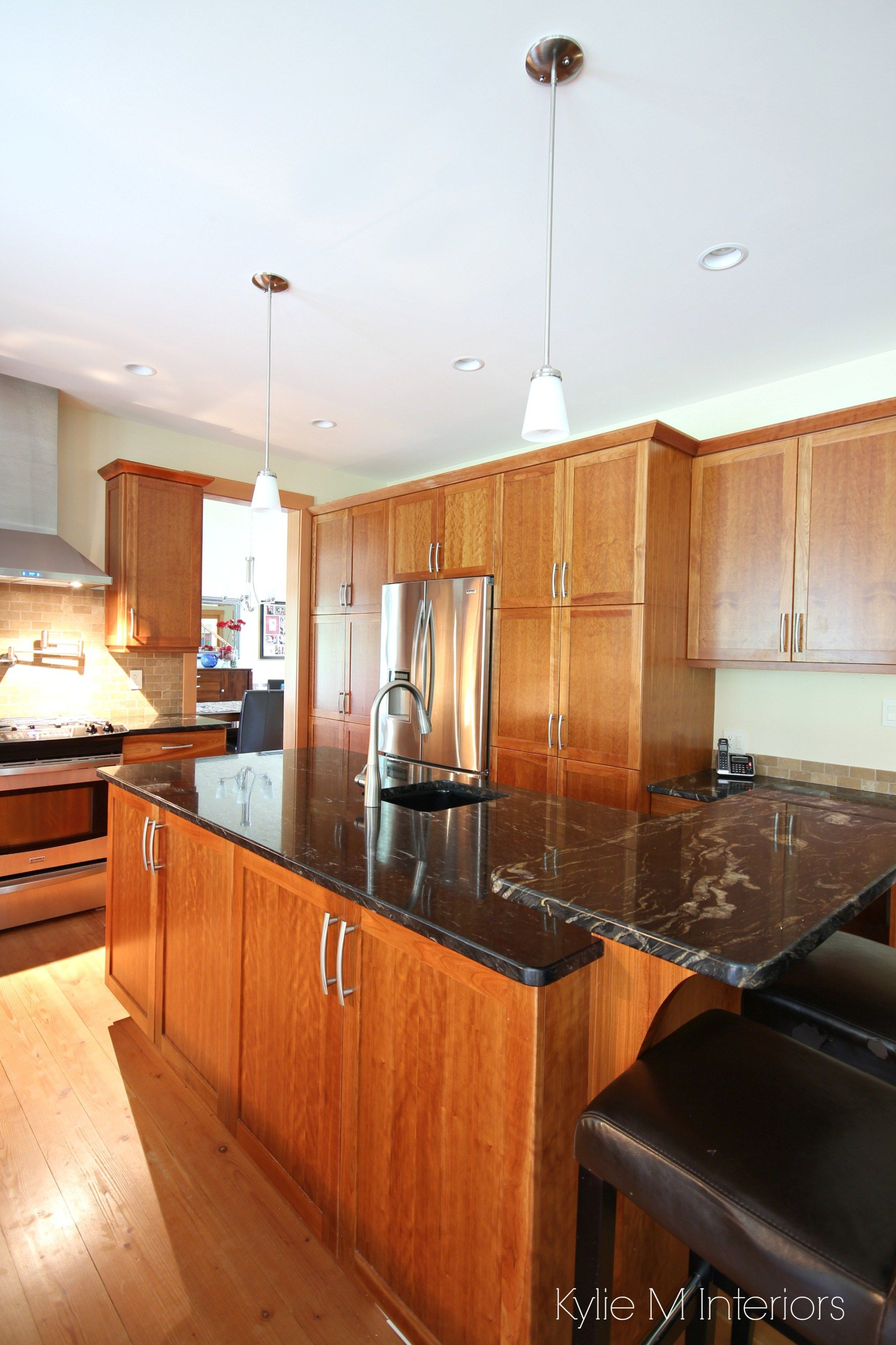 A Beautiful Wood And Granite Kitchen Design Kitchen Design Kitchen Cabinet Design Replacing Kitchen Countertops