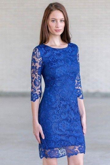 Robe fourreau dentelle bleue