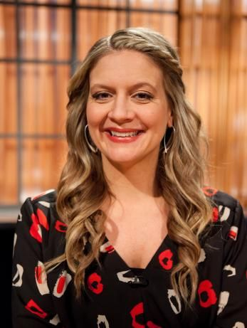 Meet The Host And Judges Of Chopped Amanda Freitag Food Network Recipes Chopped Judges