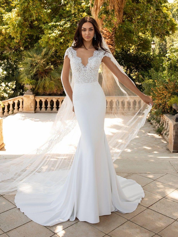 Milady Pronovias In 2020 Pronovias Wedding Dress Online Wedding Dress Mermaid Wedding Dress