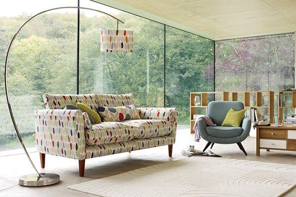 Particular colección de muebles y textiles para la decoración de ...