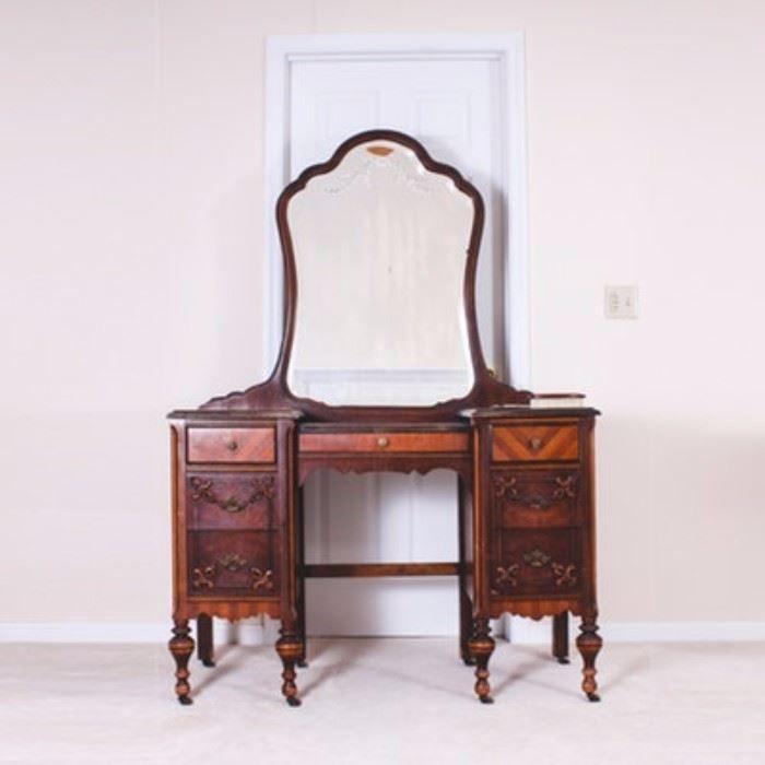wooden vintage vanity with mirror