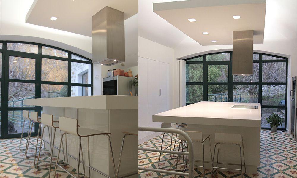 faux plafond plafond suspendu cuisine id e deco maison. Black Bedroom Furniture Sets. Home Design Ideas