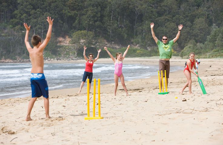 Beach cricket. Top 5 things for kids to do on the Gold