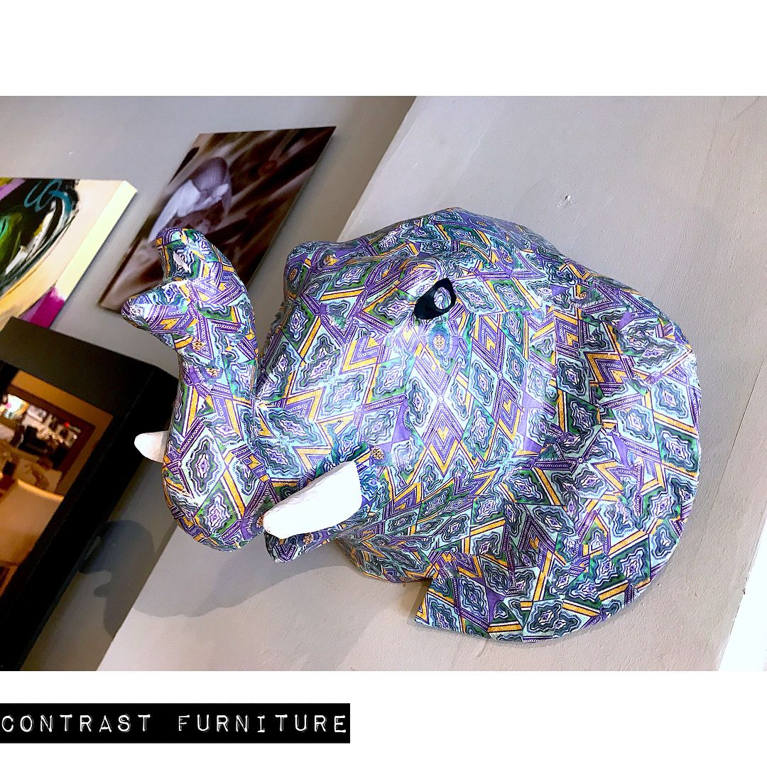 Decorate your home with art pieces featuring wildlife and