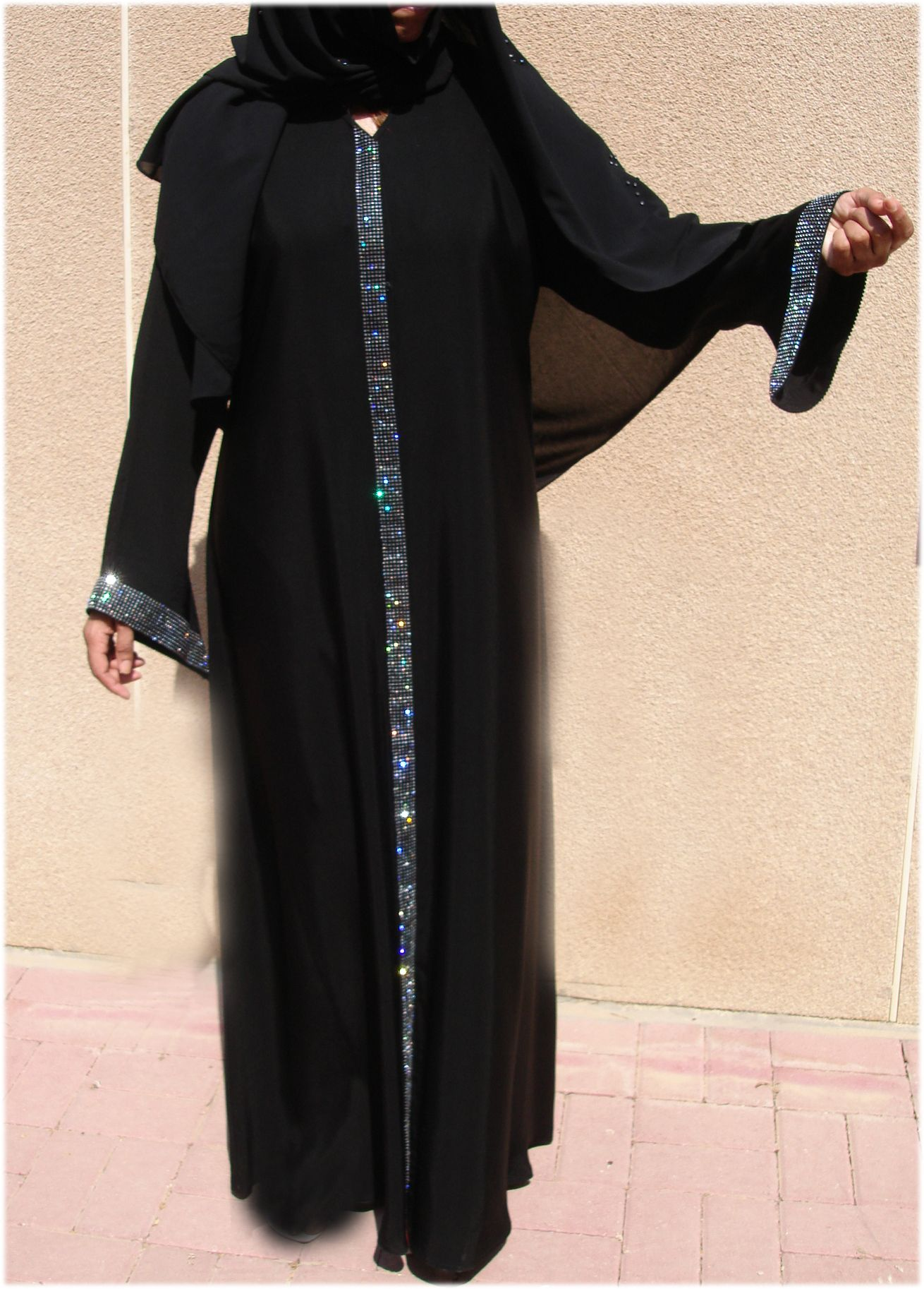 Pin By Zahra Gaj On Abaya Modern Abaya Fashion Clothes