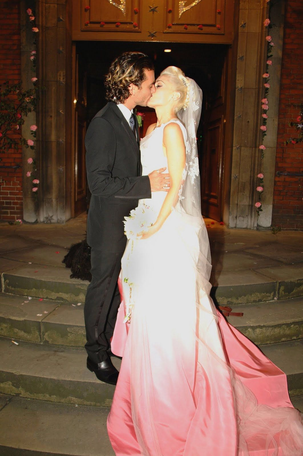 Gwen Stefani's pink and white wedding dress!