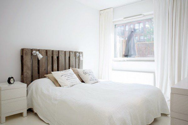 Appartment with pallet decoration : White + pallets