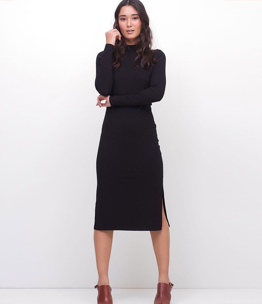 e986895a7 Vestido feminino Modelo midi Manga curta Gola alta Com fenda Canelado  Marca: Marfinno Tecido: