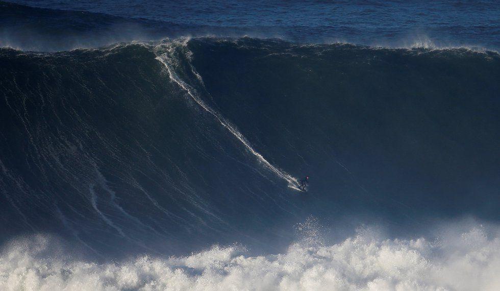 Las olas gigantes vuelven a Portugal  Ola gigante La ola y Circuitos