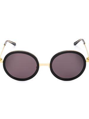 Óculos de sol feminino importado e as melhores marcas da moda internacional  na Farfetch. Compre online óculos de sol Ray Ban, Céline, Dior e mais em até 2c1191ebfe
