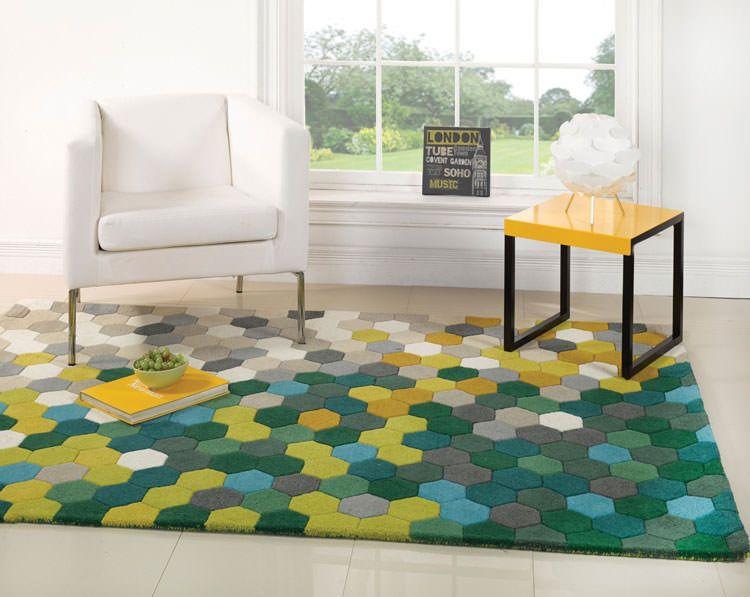 Esempi di tappeti moderni dal design geometrico