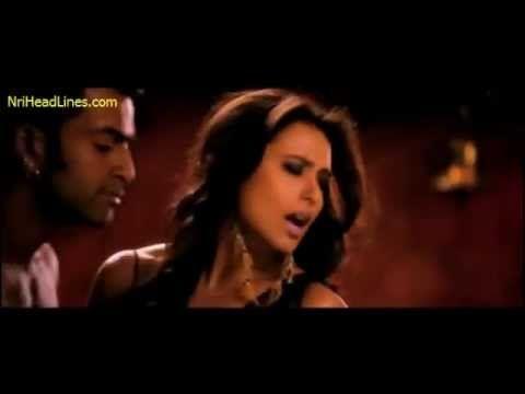 Aga Bai hindi song from Aiyyaa movie - http://best-videos.in/2012/11/23/aga-bai-hindi-song-from-aiyyaa-movie/