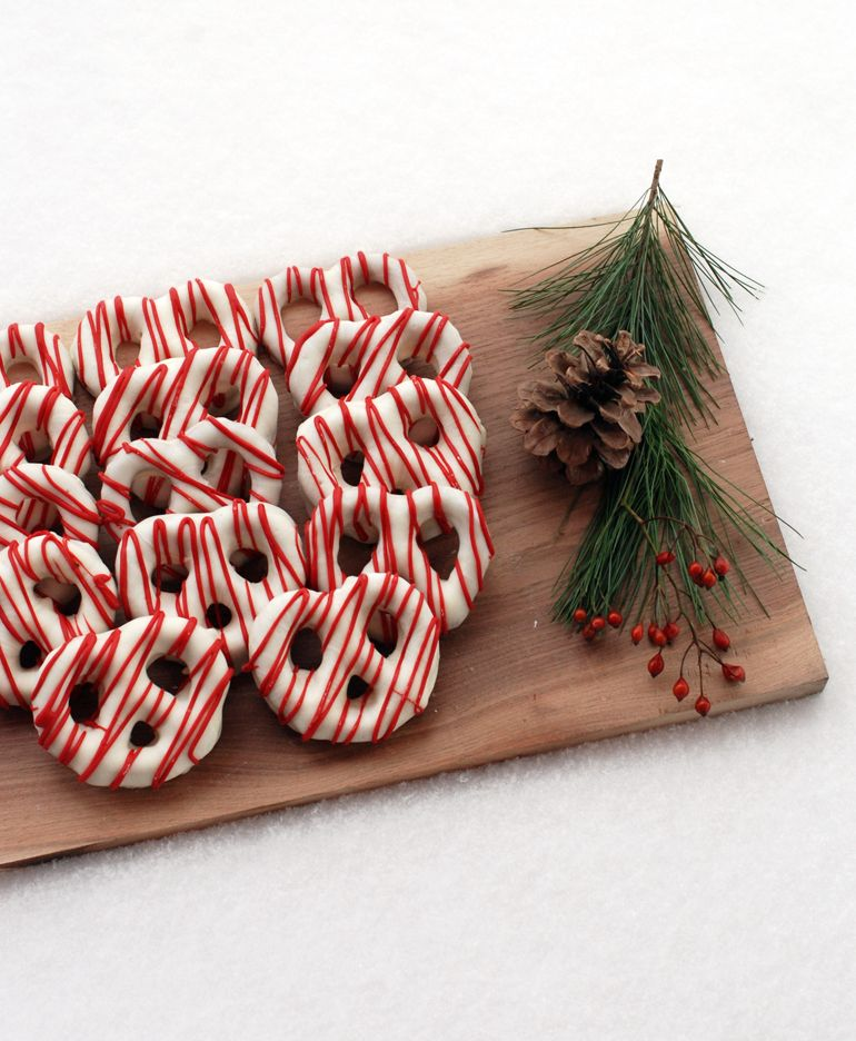 Chocolate Covered Pretzels – Christmas Style