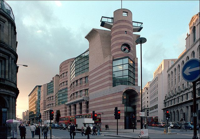 No 1 Poultry London Post Modern Architecture London Architecture Modern Style Design