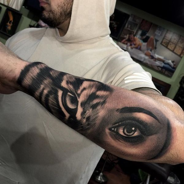 How To Choose A Tattoo Artist Tiger Tattoo Mens Tiger Tattoo Tiger Eyes Tattoo
