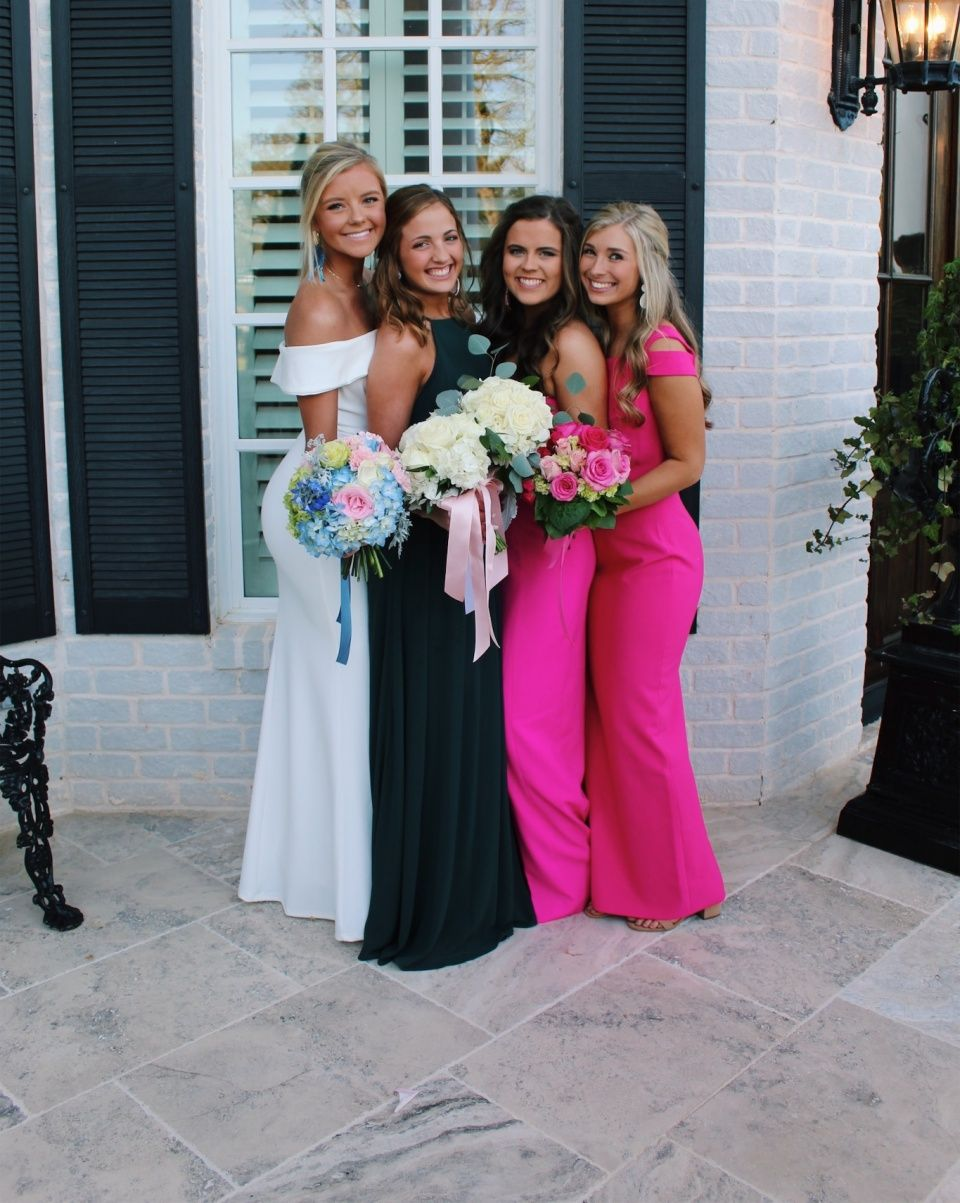 Images Bnbailey Vsco Prom Photoshoot Graduation Picture Poses Prom Dresses Long [ 1203 x 960 Pixel ]
