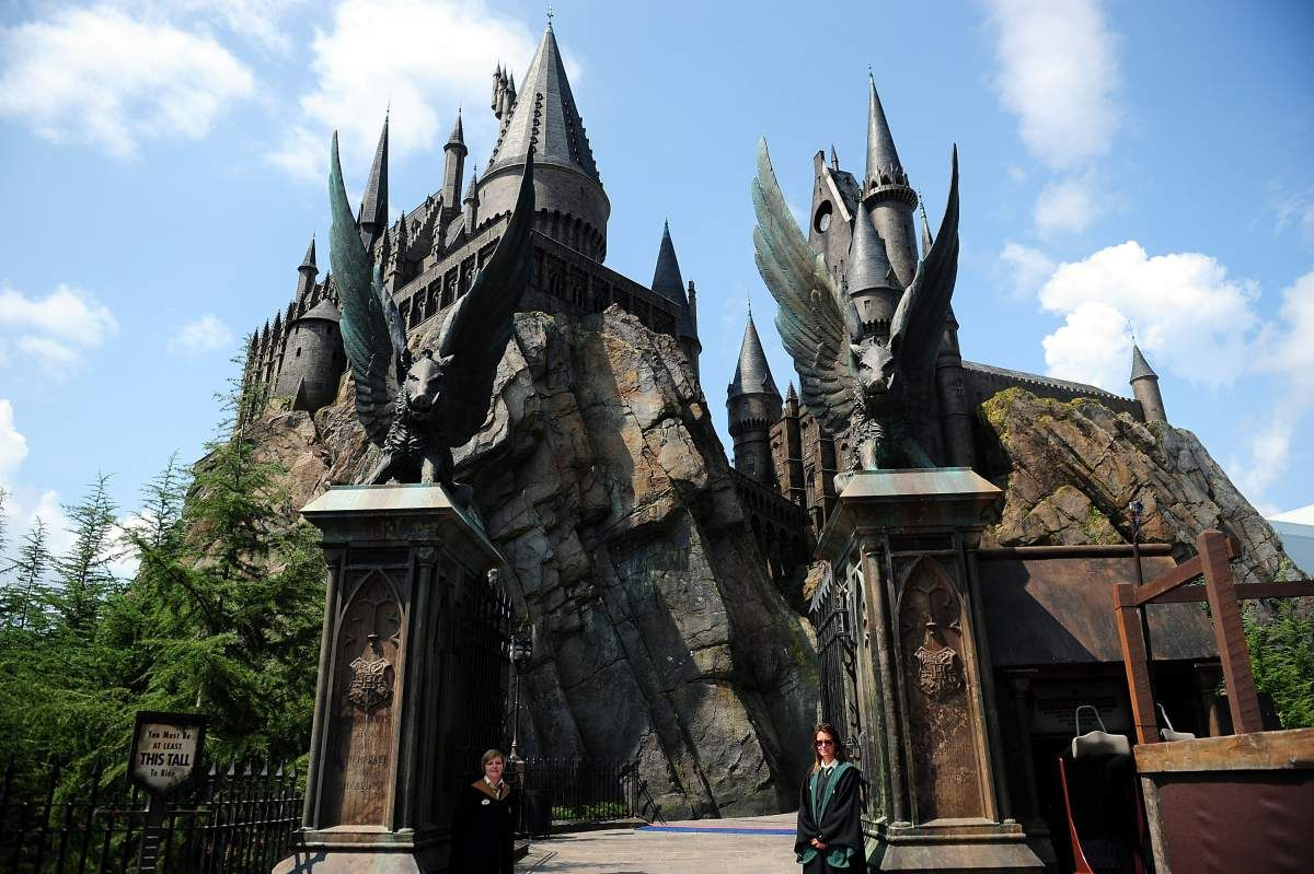 Los Angeles Will Get Its Very Own Wizarding World Of Harry Potter Harry Potter Theme Park Harry Potter Universal Studios Wizarding World Of Harry Potter