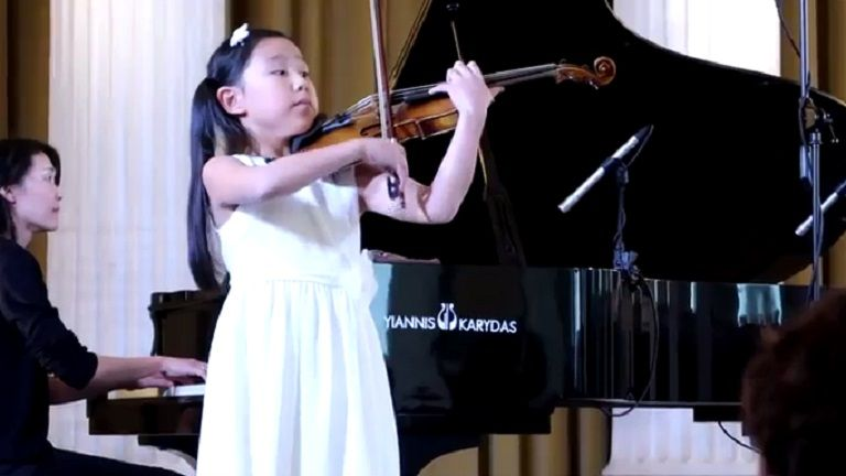 10 Year Old British Violinist Leia Zhu Performs Paganini 39 S First Violin Concerto At The Leonidas Kavakos Masterclass I Violin Performance Music Performance