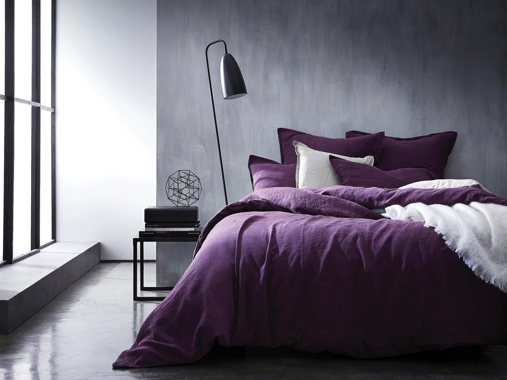 Housse De Couette Prune En 100 Lin Lave Mettez De La Couleur Dans Votre Chambre Avec Www Blanc Cerise C Bedroom Design Furniture Design Modern House Interior