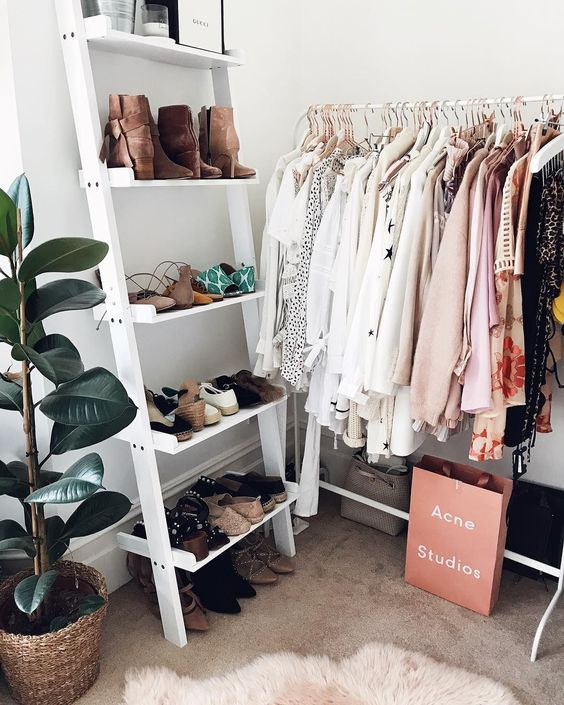 23 Inspiring Makeshift Closets For Small Bedrooms