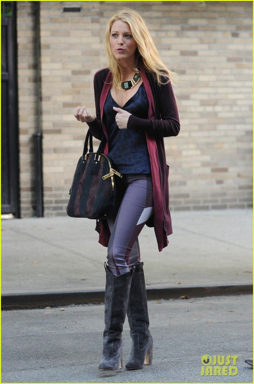 BlakeLively  pantaloons  winter  casual  kneehighboots  a43e8672e29b3