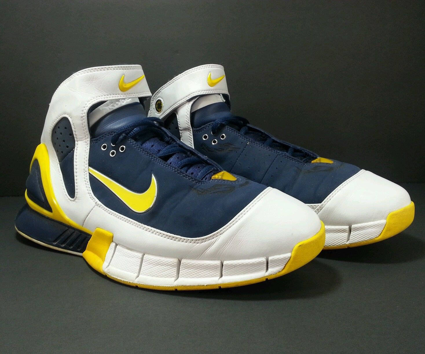 nike zoom kobe basketball shoes latest nike basketball shoes