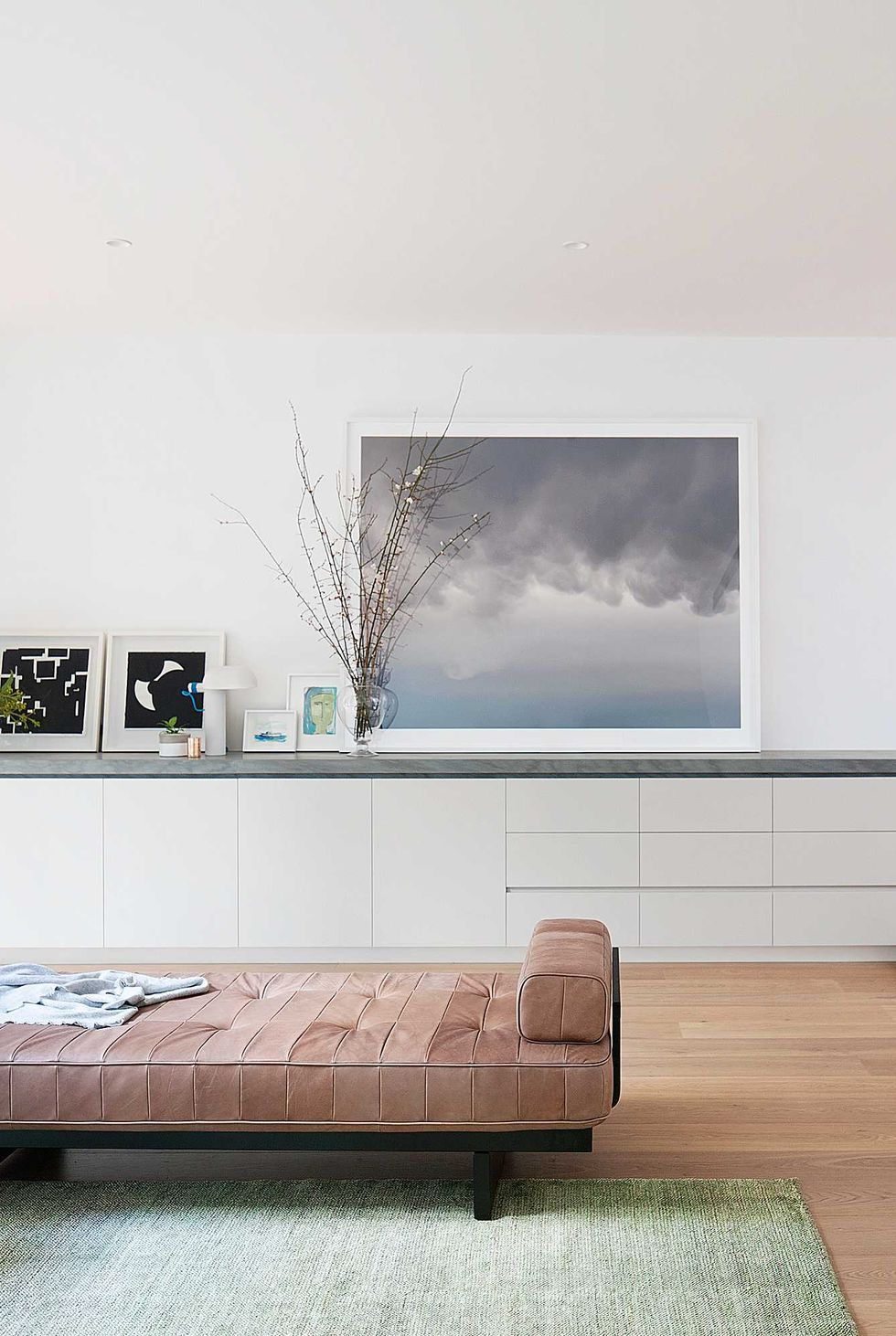 Just Looking At These Minimalist Living Rooms Is More Relaxing Than A Massage In 2020 Minimalist Living Room Minimalist Bedroom Decor Indian Living Rooms