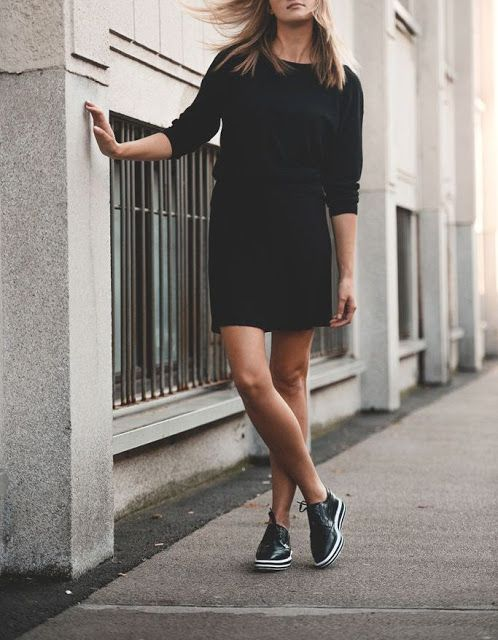 33f8035f81a STREET STYLE  Oxfords Shoes. 100 Outfits Μας Εμπνέoυν! Black Brogues  Outfit