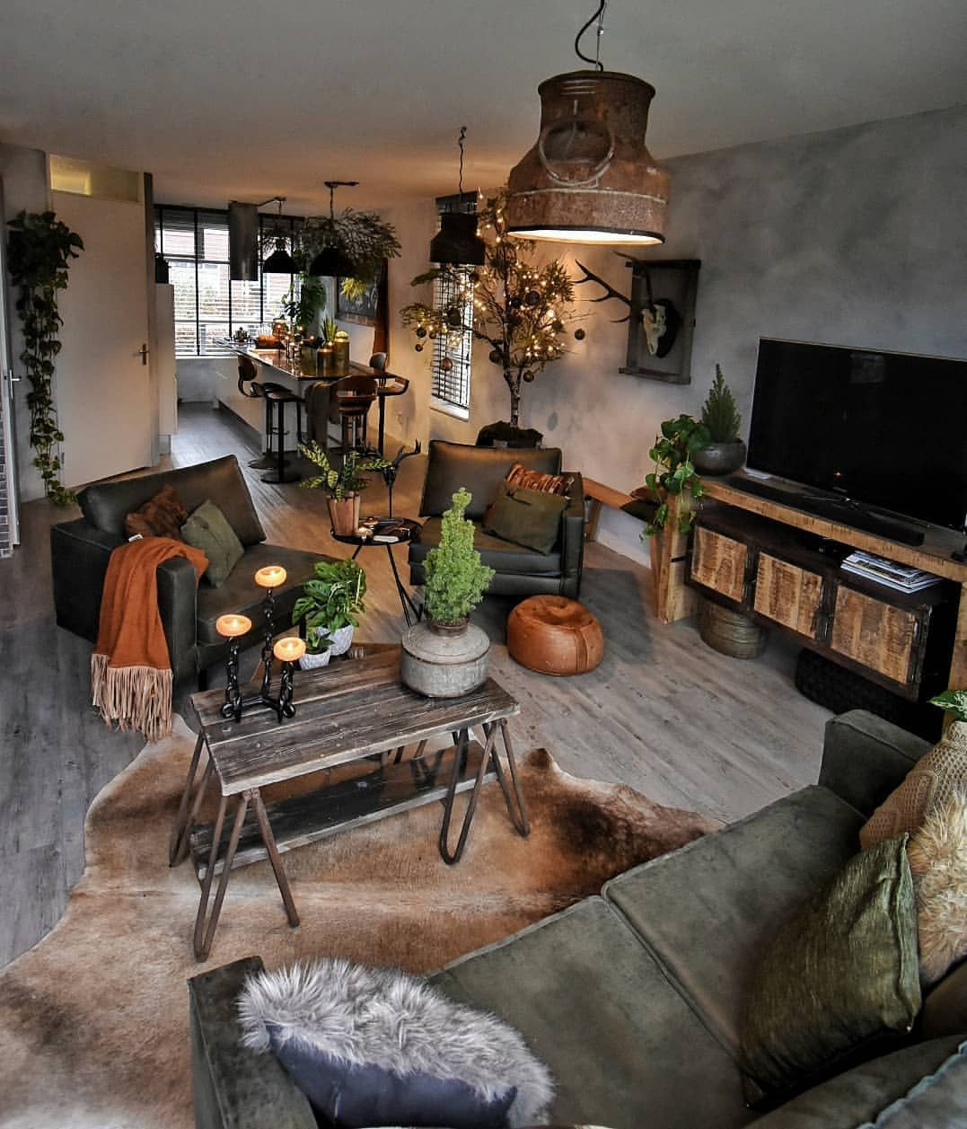 Get in the fall spirit with these brilliant rustic living room