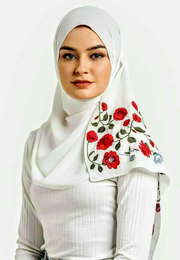 Pin oleh +992909704067 di H   Jilbab muslim, Wanita, Gaya ...
