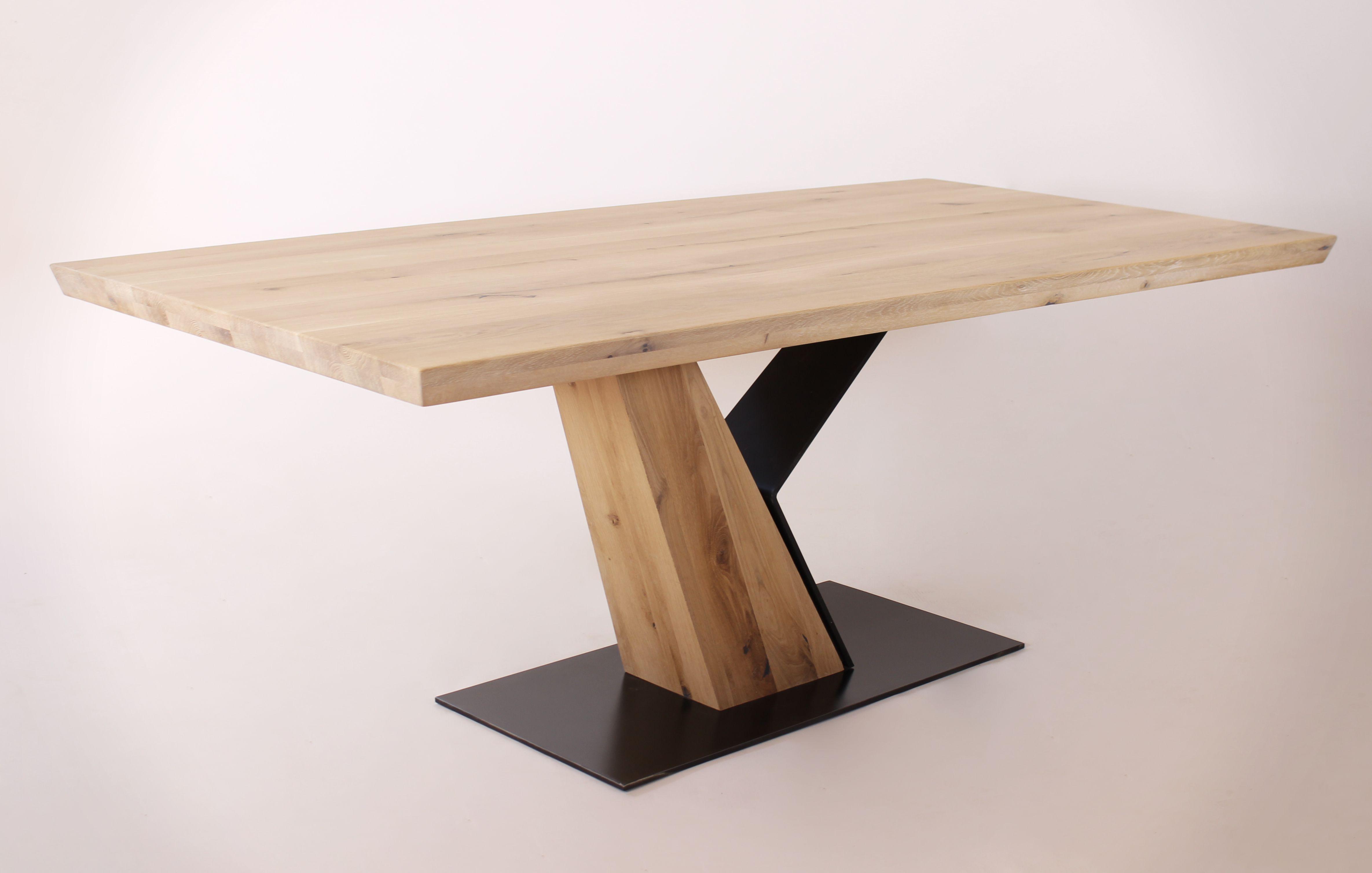 Esstische Aus Massivholz Nach Mass Naturnah Mobel Tisch Eiche Massiv Esstisch Wildeiche Massiv Tisch