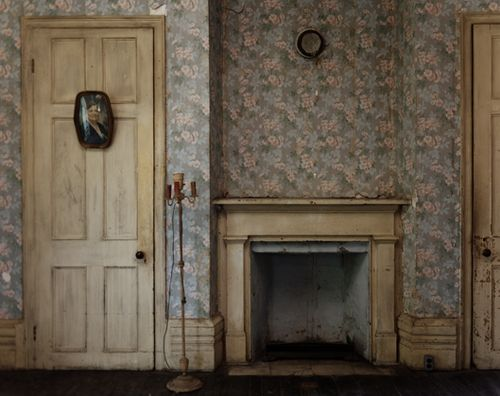 Love The Yellow Fireplace And Even The Old Wall Paper This Is Stunning Vintage Wallpaper Interior Inspiration Interior