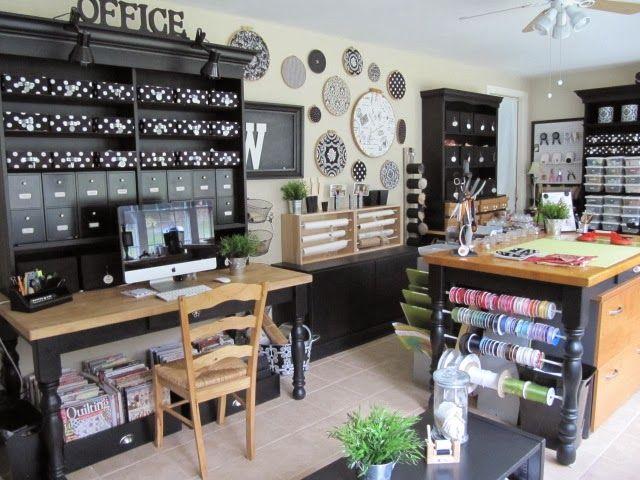 une pi ce pleine d 39 id es pour ranger des fournitures pour travaux manuels et cr atifs. Black Bedroom Furniture Sets. Home Design Ideas