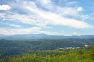 Grandview - Look at this view! Sleeps up to 18 guests and features a pool table, hot tub and charcoal grill! http://americanmountainrentals.com/drop-everything-stay-pigeon-forge-cabin-near-dollywood/