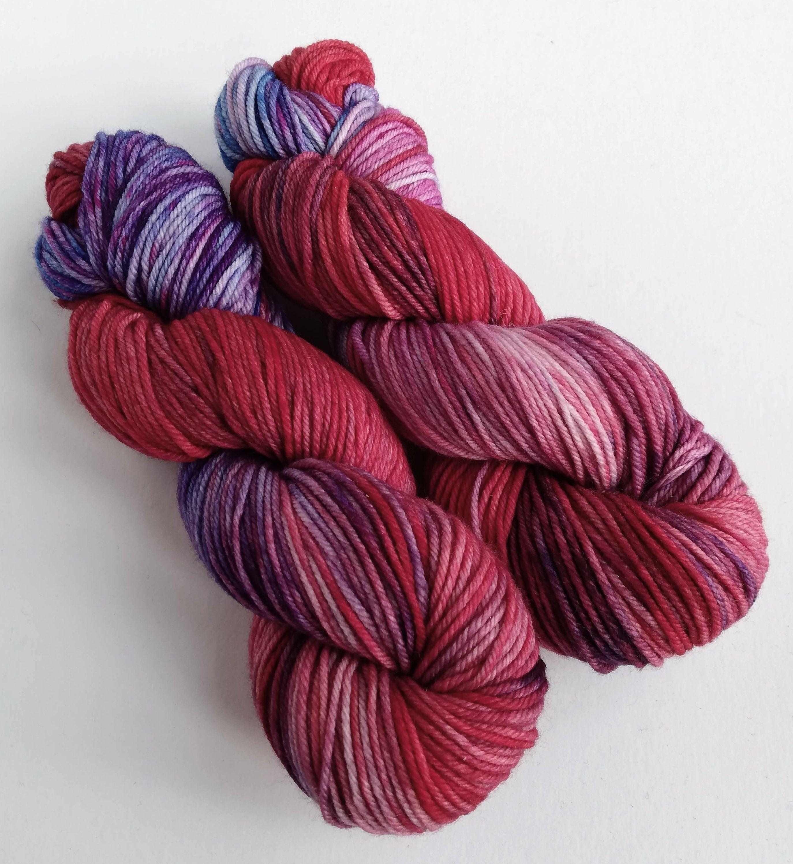 hand dyed fingering weight 100/% Merino Sky Blue* Pure Merino gradient yarn