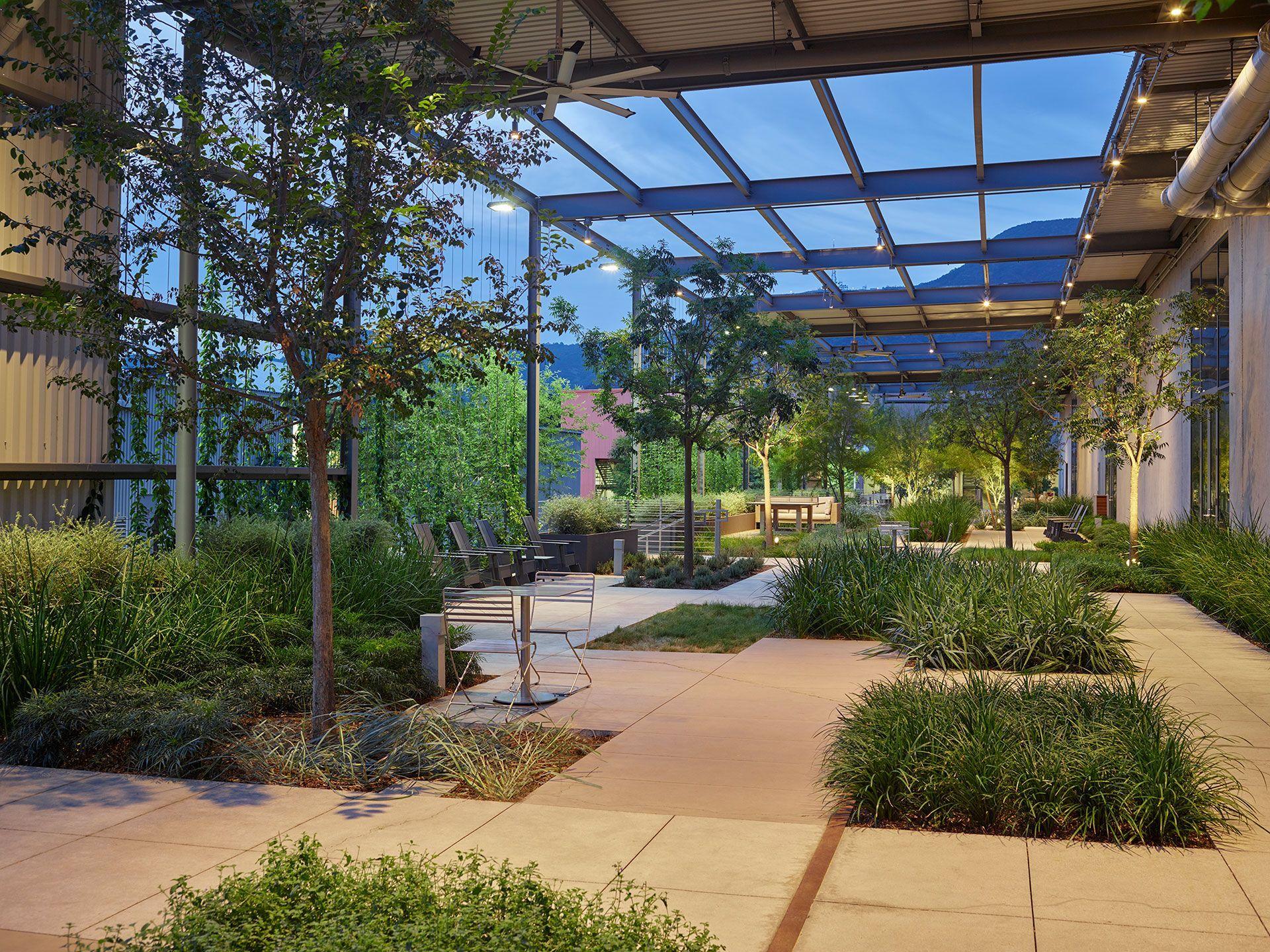 Sierra Bonita Apartments Modern Landscaping Backyard Landscaping Modern Garden Design Urban Landsca Modern Landscaping Modern Garden Design Courtyard Design