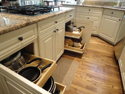 Savannah cabinets with maple cream glaze finish by for Cream kitchen base units