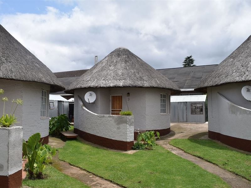 Image Result For Sheri S Lodge Backpackers Bungalow House Plans Guest House Plans Thatched House