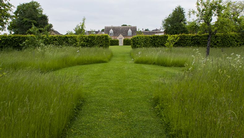 Photo of Meadow – Garden Designer Justin Spink Cottage Garden near River Thames