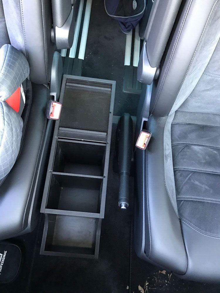 mittelkonsole zwischen fahrer und beifahrersitz vw california t6 pinterest ausbau. Black Bedroom Furniture Sets. Home Design Ideas