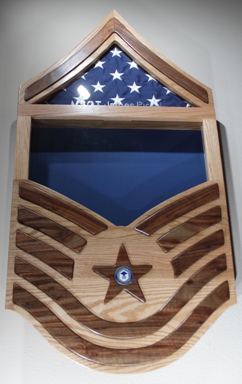 A beautiful Shadow Box to commemorate service in the US