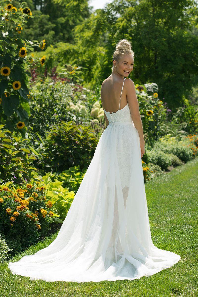 cdc170fd6b8d7 Sweetheart Gowns - Model 11000: Suknia mini z dekoltem w serduszko i  tiulową spódnicą