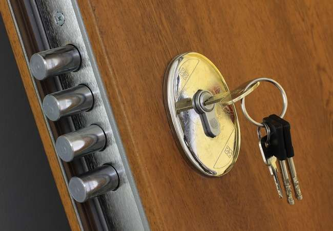 10 Low Cost Ways To Improve Your Home Security Home Safety Diy