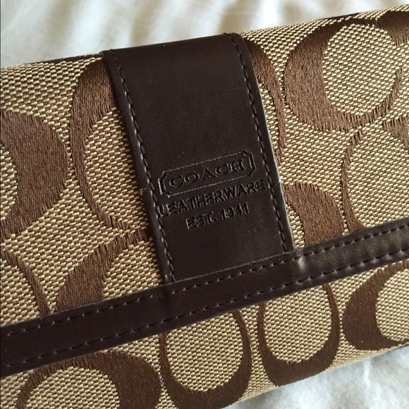 Coach wallet authentic Used for a few months. No longer need, excellent condition. make offers! Coach Bags Wallets